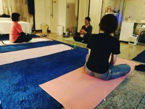 第二回目Kiranaヨガセラピー開催しました~呼吸法、脳を休めるヨガ~